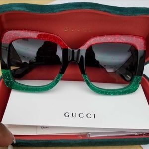 Other - BNIB GUCCI Oversized Square Sunglasses Black Red